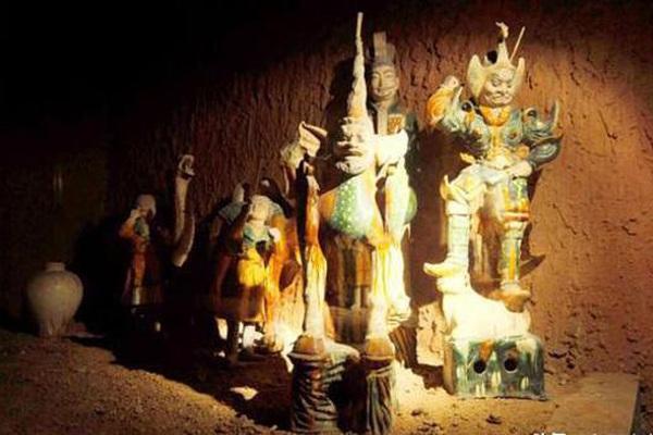 Ngôi mộ cổ một cặp vợ chồng cách đây hàng nghìn năm tiết lộ câu chuyện gây xúc động mạnh cộng đồng mạng