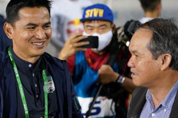 Vì sao bầu Đức không xem HAGL thắng Hà Nội FC?
