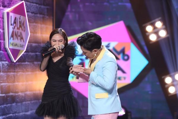 """Trường Giang đòi sa thải Dương Khắc Linh vì """"cài cắm"""" người thân vào gameshow quá nhiều lần"""