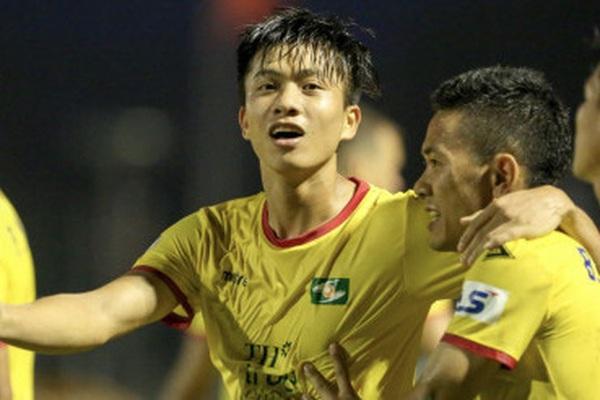 """Phan Văn Đức và 15 cầu thủ sắp đáo hạn hợp đồng: SLNA """"tan đàn xẻ nghé""""?"""