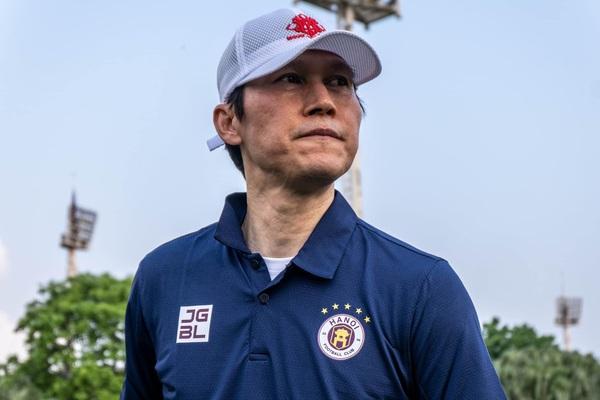 Tân HLV Hà Nội FC gửi yêu cầu khẩn cấp tới bầu Hiển