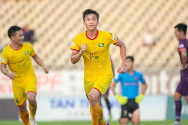 """3 đội bóng """"1 người"""" tại V.League 2021: Gánh nặng trên vai Phan Văn Đức"""