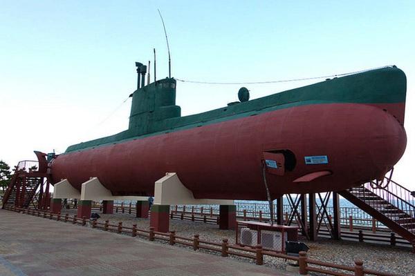 Tàu ngầm Triều Tiên do thám Hàn Quốc và cái kết... đẫm máu