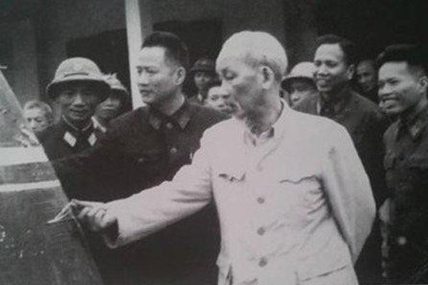 """Chiến tranh Việt Nam: Vì sao UAV Mỹ """"rụng như sung"""""""