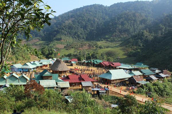 Quảng Nam: Luồn rừng, lội suối lên khám phá ngôi làng đoàn kết đẹp như tranh vẽ của người Cơ Tu