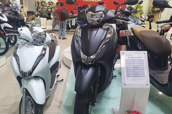 Giá xe Honda Airblade hiện tại hấp dẫn người Việt ra sao?