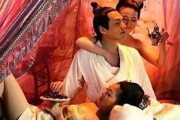 Hồi ức của 'đà phi' thái giám: Hầu hạ lúc ái ân của hoàng đế và phi tần, nhất định phải để ý thứ này