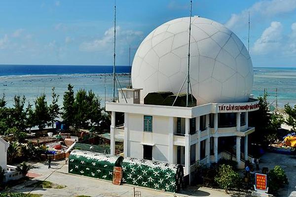 """Cận cảnh lớp """"áo giáp"""" bảo vệ của dàn radar biển đảo Việt Nam"""