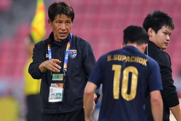 """Tin sáng (11/5): HLV Nishino """"đi đêm"""" để cầu thủ Thái Lan được về ĐTQG?"""