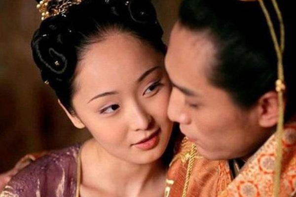 Hoàng đế say rượu thị tẩm nhầm người, nhà Hán tồn tại thêm gần 200 năm