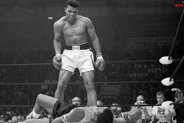 Muhammad Ali: Ra sao khi dính 200.000 cú đấm vào đầu?