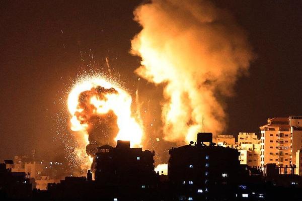 Nóng: Israel bị tấn công 200 quả rocket, lập tức tung đòn trả thù dữ dội