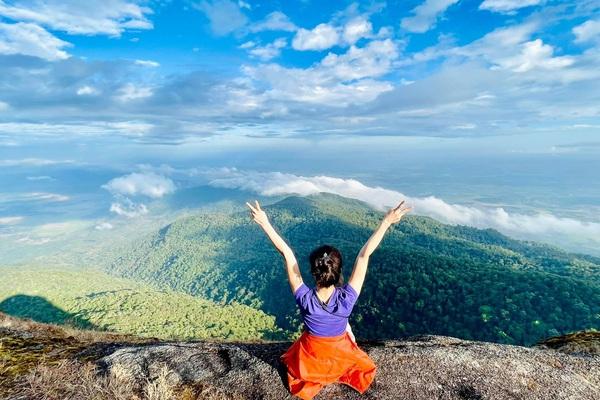 Săn mây trên đỉnh Chư Yang Lắk - Ấn tượng bởi vẻ đẹp hùng vĩ của núi rừng Tây Nguyên