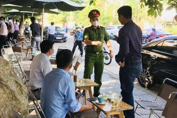 Quảng Bình bắt đầu phạt nặng trường hợp không đeo khẩu trang 2 triệu đồng/người