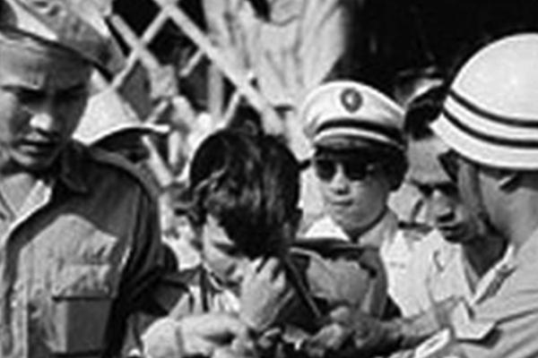 """Kế hoạch ám sát Ngô Đình Diệm của """"Mười Thương"""": Khẩu tiểu liên MAT-49 cưa nòng"""