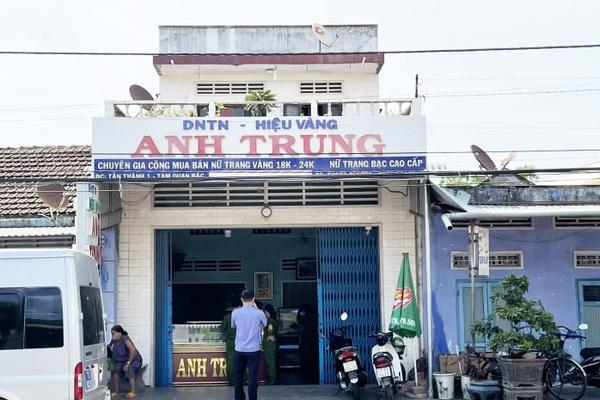 Bình Định: Vác xà beng đột nhập tiệm vàng cuỗm 300 lượng vàng 18K trong tích tắc