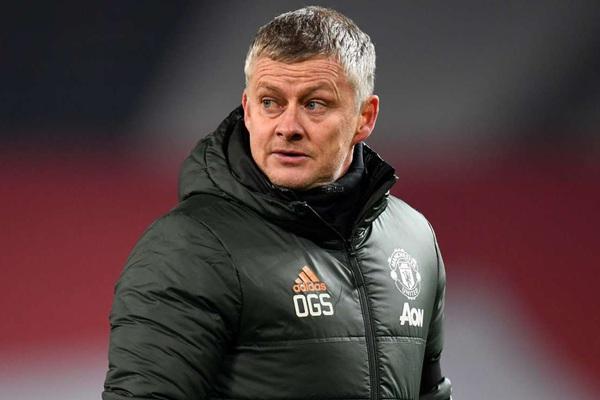 """M.U """"giúp"""" Man City vô địch sớm, HLV Solskjaer đổ lỗi cho lịch thi đấu"""