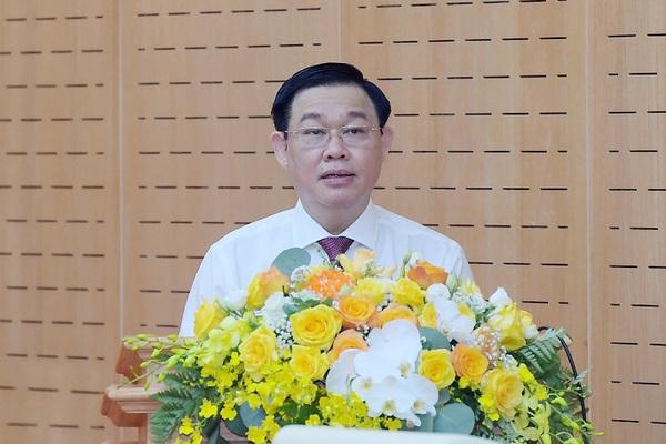 Chủ tịch Quốc hội Vương Đình Huệ yêu cầu lực lượng công an bảo vệ tuyệt đối an ninh, an toàn bầu cử