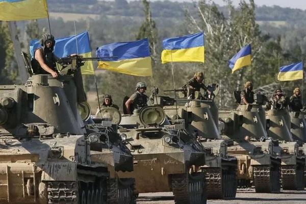 Ukraine lạnh gáy khi 10 vạn quân Nga áp sát biên giới