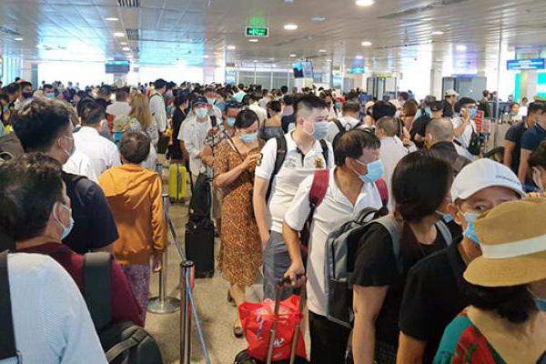 Huỷ vé máy bay hành khách có thể kiện khi bị chiếm dụng tiền