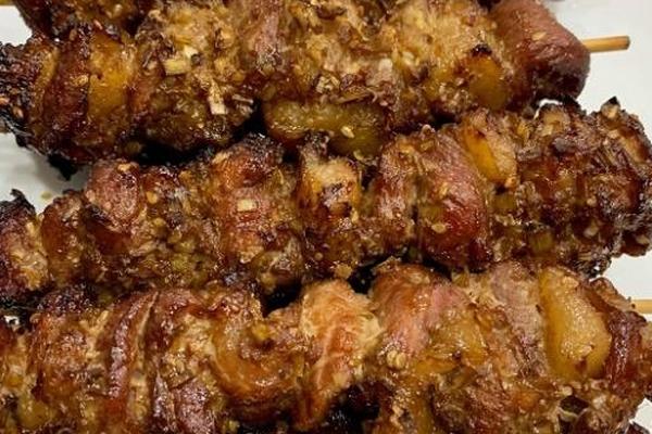 """Gia vị """"lạ"""" giúp thịt xiên nướng mềm ngon nhất định bạn phải nhớ"""