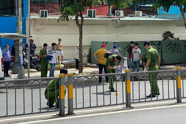 Người đàn ông dùng dao đâm chết tài xế xe ôm trước cổng Bệnh viện Nhi Đồng 1