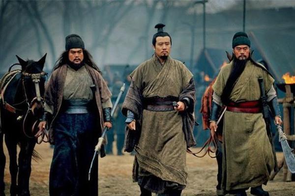 Chỉ thu mua trà và bán thịt lợn, vì sao Quan Vũ, Trương Phi có võ công phi phàm?