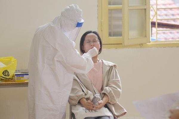 Kết quả hơn 10.000 mẫu xét nghiệm người từ Đà Nẵng trở về Hà Nội