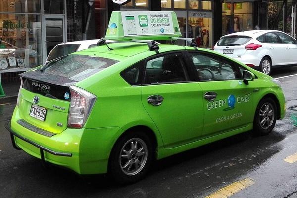 Sự trỗi dậy của công nghệ xanh và ngành công nghiệp taxi