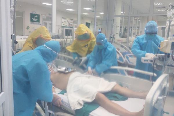 52 bệnh nhân Covid-19 nặng, nguy kịch tại BV Bệnh Nhiệt đới Trung ương