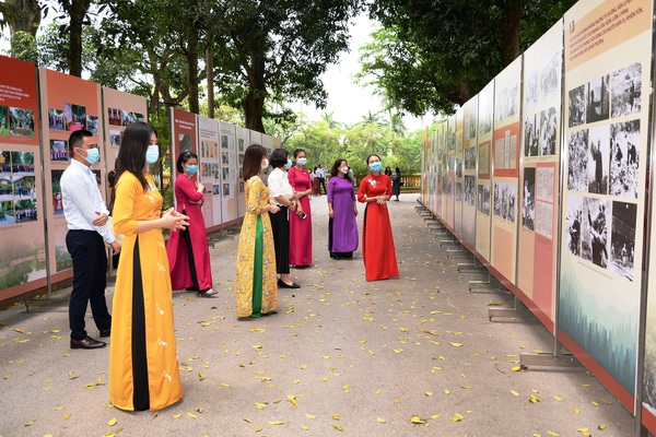 300 hiện vật quý hiếm kể về cuộc đời giản dị của Chủ tịch Hồ Chí Minh