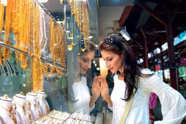 """Dubai: Khu chợ bày bán hàng tấn vàng, """"mặc cả"""" như mua rau"""