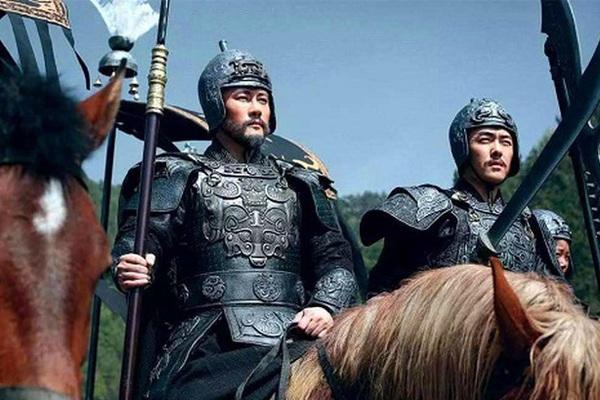 Nhân vật này mưu thắng Tư Mã Ý, võ công áp đảo Triệu Vân, nhưng bị bóp méo thê thảm
