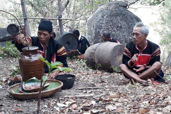 Gia Lai: Nơi ghi công đức 14 vị vua nghèo huyền thoại có khả năng hô mưa, gọi gió trên vùng đất Tây Nguyên