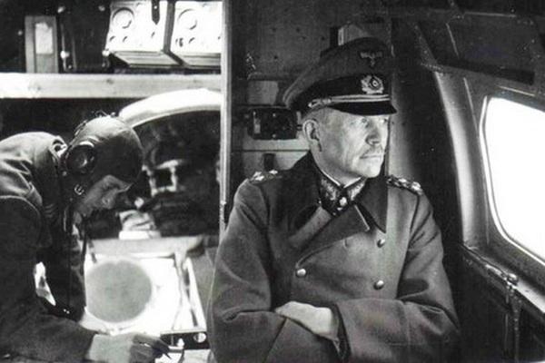 """Cha đẻ """"chiến tranh chớp nhoáng"""" của Phát xít Đức: Kẻ luôn chống lệnh Hitler"""