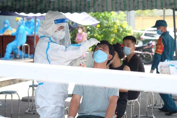 Đà Nẵng: Tổ chức xét nghiệm Covid-19 cho tài xế taxi và xe công nghệ