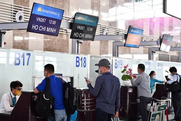 Covid-19 phức tạp, đổi, trả vé máy bay được không?