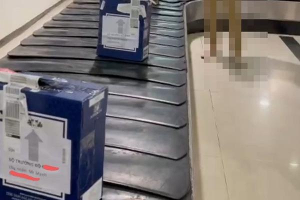 """Vì sao nhân viên mạo danh Bộ trưởng Nguyễn Văn Thể đưa được lô hàng """"khủng"""" lên máy bay?"""