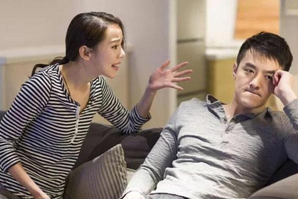 """""""Giải ngố"""" ở quán karaoke Sunny, chồng khổ sở vì bị vợ tra khảo"""