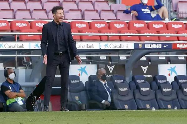 """Atletico Madrid có điểm trước Barca, Simeone đưa học trò """"lên mây xanh"""""""