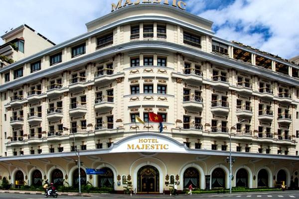 """TP.HCM đề xuất không cổ phần hóa Saigontourist, loạt khách sạn trên """"đất vàng"""" quận 1 liên quan gì?"""