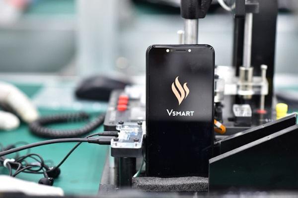 Người dùng Việt phản ứng gì khi VinSmart dừng sản xuất điện thoại?