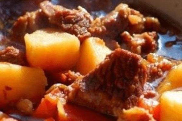 Hầm thịt bò làm theo đúng bước này thịt sẽ nhanh dừ, thơm mềm, không tanh