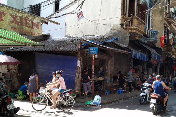 Quận Ba Đình (Hà Nội): Đất lưu không trong khu dân cư được quây lại, biến thành hàng bán đậu phụ