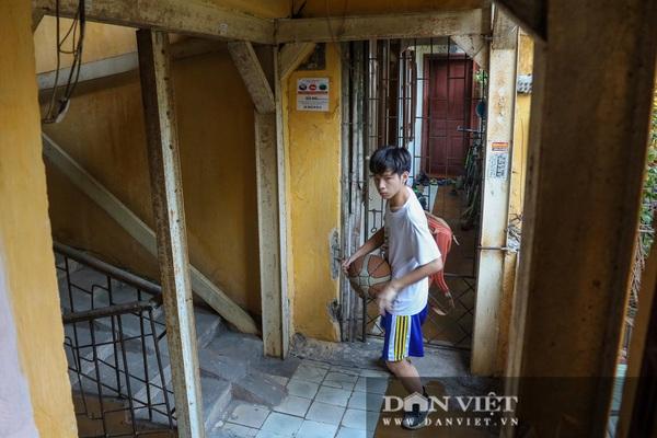 Hà Nội: Khẩn trương di dời người dân ra khỏi chung cư cũ nguy hiểm
