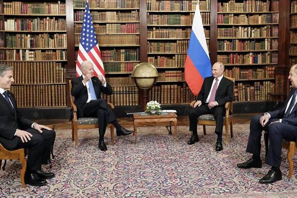 Giải mã bí mật của Putin và Biden thông qua ngôn ngữ cơ thể khi đối thoại