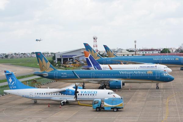 Vietnam Airlines bên bờ vực phá sản, Vietjet xoay xở vượt khó: Bộ GTVT bỏ rơi không đề xuất giảm thuế phí