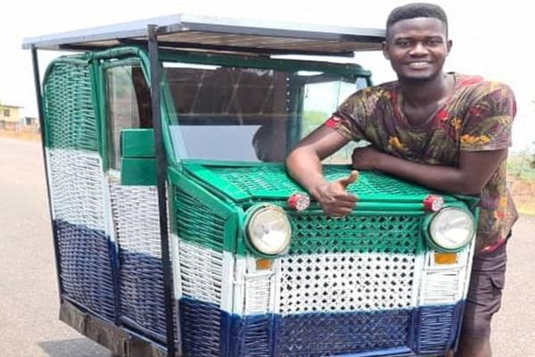 Chế tạo xe thùng rác bằng năng lượng mặt trời đầu tiên