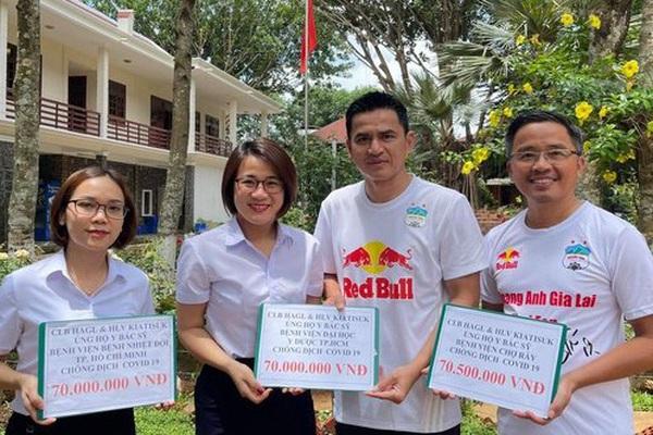 HLV Kiatisak có hành động ấm lòng với Việt Nam