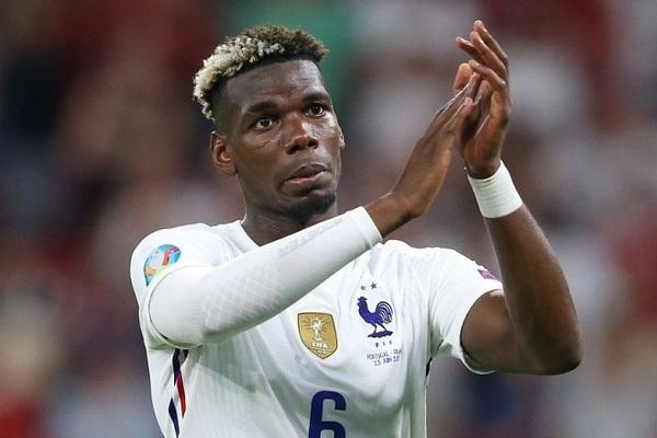 Tại sao Paul Pogba nhuộm tóc màu đen trắng giống áo Juventus?